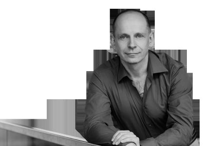 Portrait von Tom Oberbichler, Bestsellerautor & Buchmentor